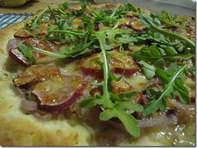 closeup_radish_pizza