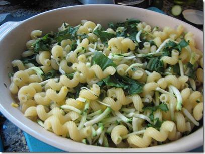 cavatappi_kale_shredded_zucchini