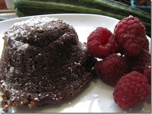 mini_molten_chocolate_zucchini_cake_closeup