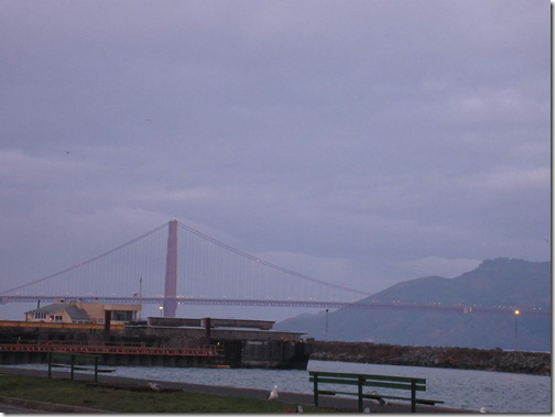 golden_gate_bridge_early_morning_fog