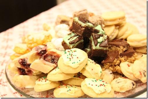 Christmas_cookies_full_plate