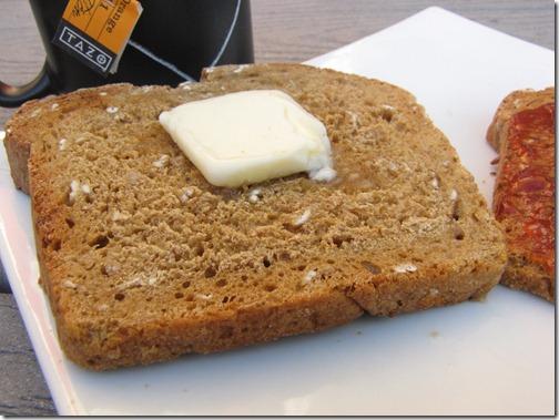 oatmeal_bread_closeup